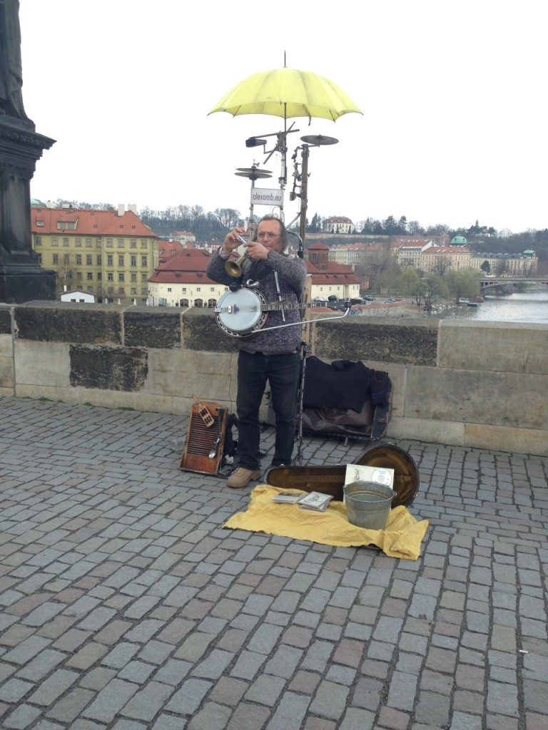 entertainment on the Charles Bridge