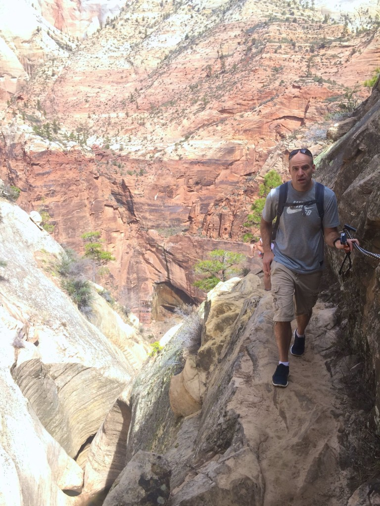 Narrow trails on Hidden Canyon