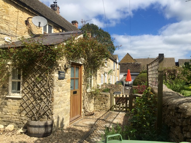 Such charming houses in the Cotswolds